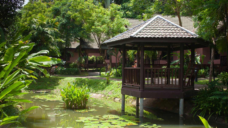 территория отеля KC Grande Resort & Spa