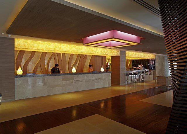 ресепшн отеля Centara Pattaya Hotel