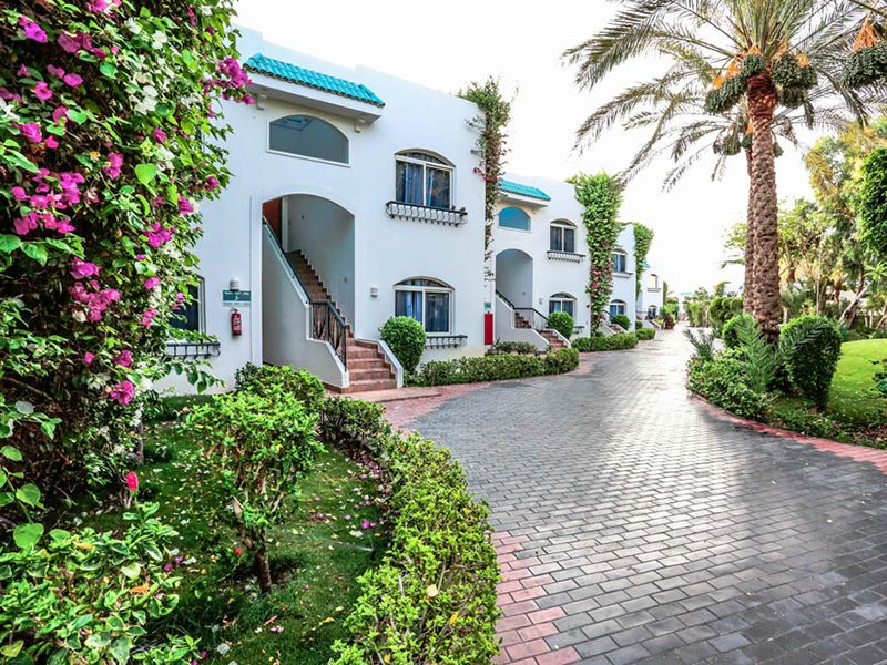 корпуса отеля Sultan Gardens Resort