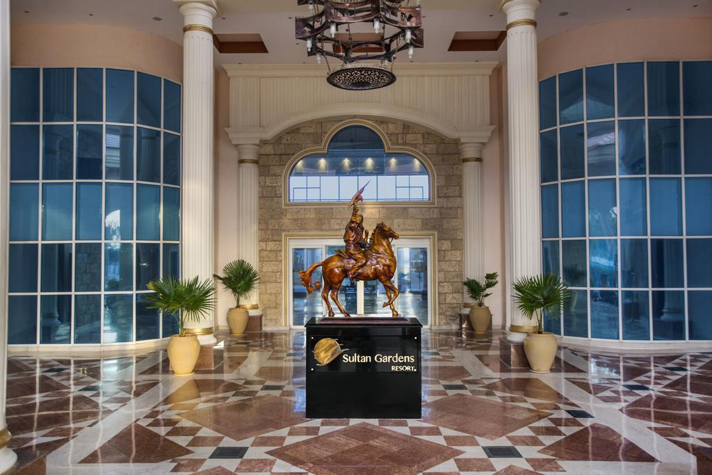 холл отеля Sultan Gardens Resort