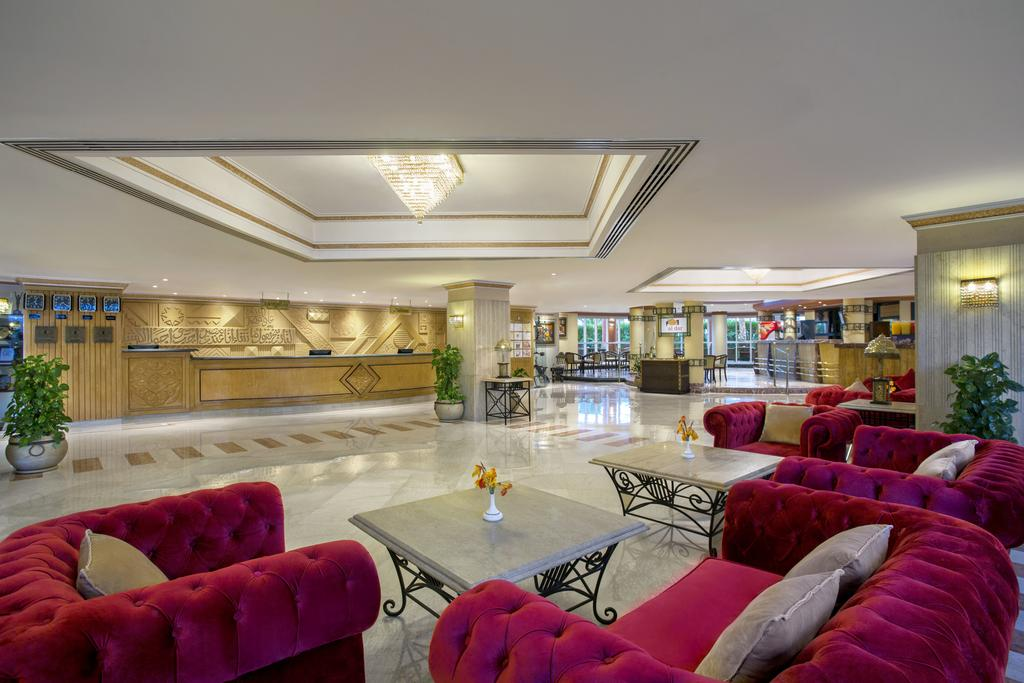 лобби отеля Sultan Gardens Resort