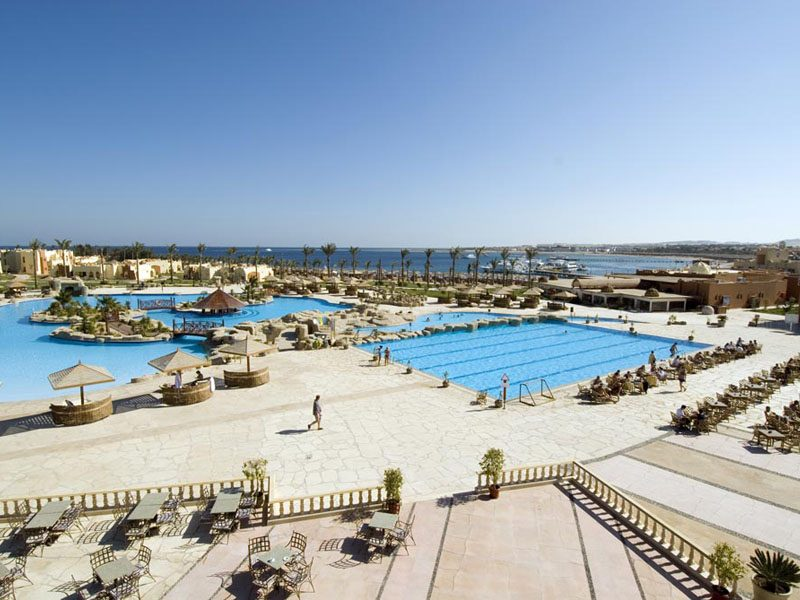 территория отеля Sunrise Royal Makadi Aqua Resort