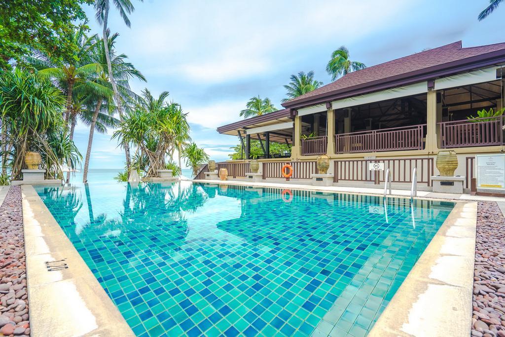 бассейн отеля Impiana Resort Chaweng Noi