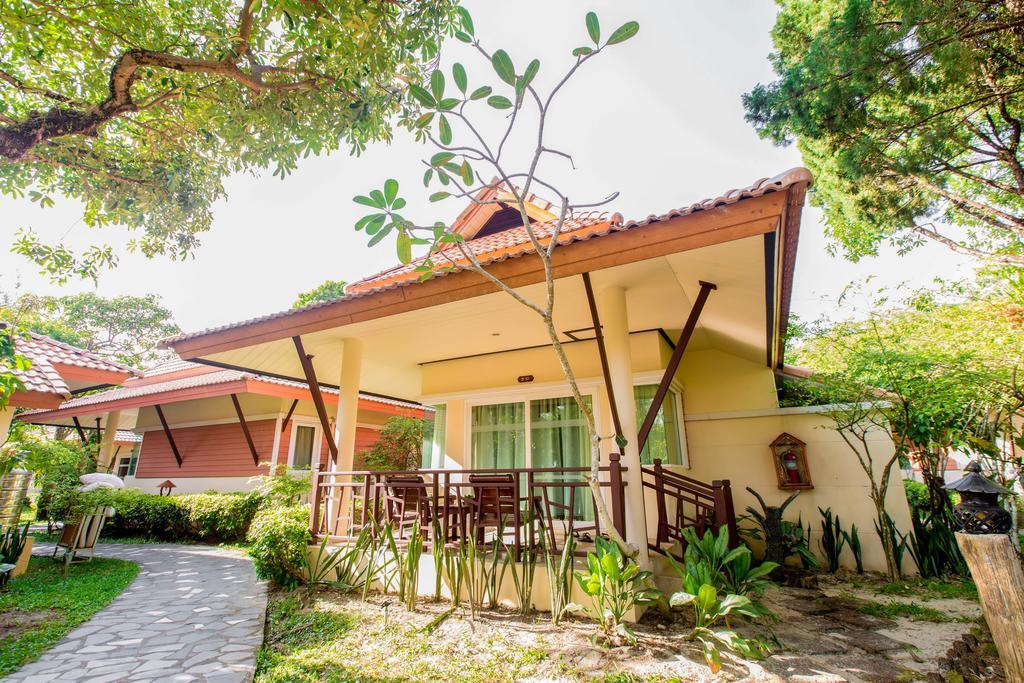 корпус отеля Koh Chang Paradise Resort