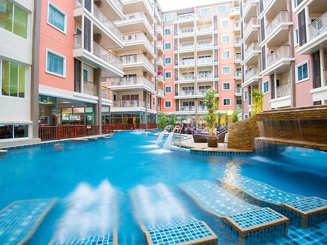 бассейн отеля Baumann Residence