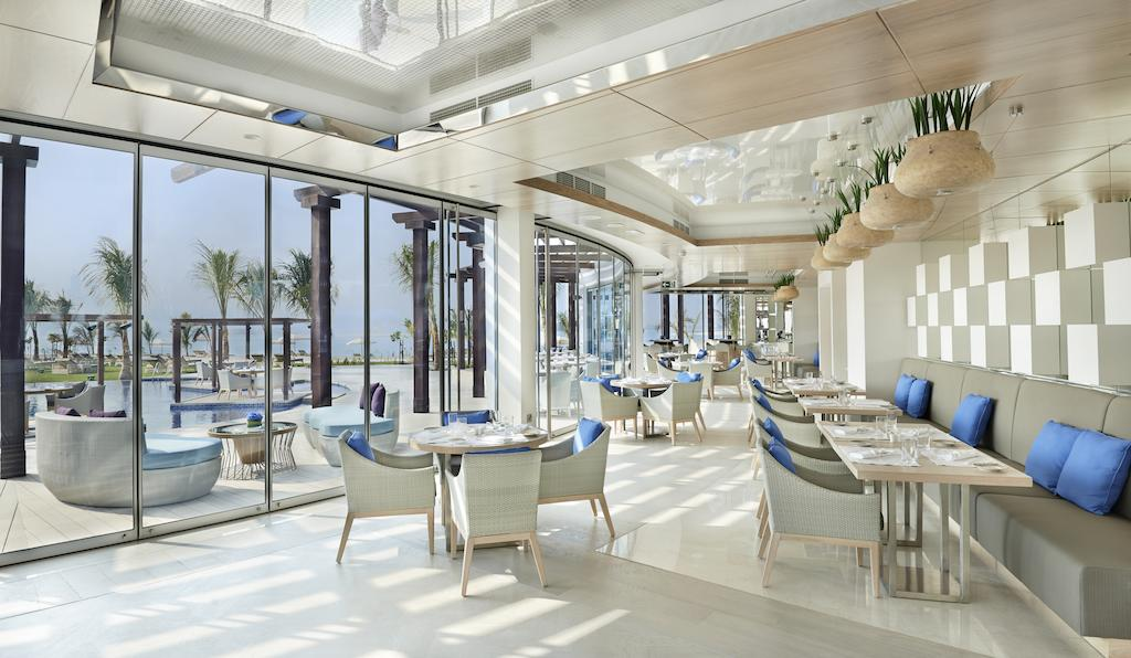ресторан отеля Waldorf Astoria Dubai Palm Jumeirah