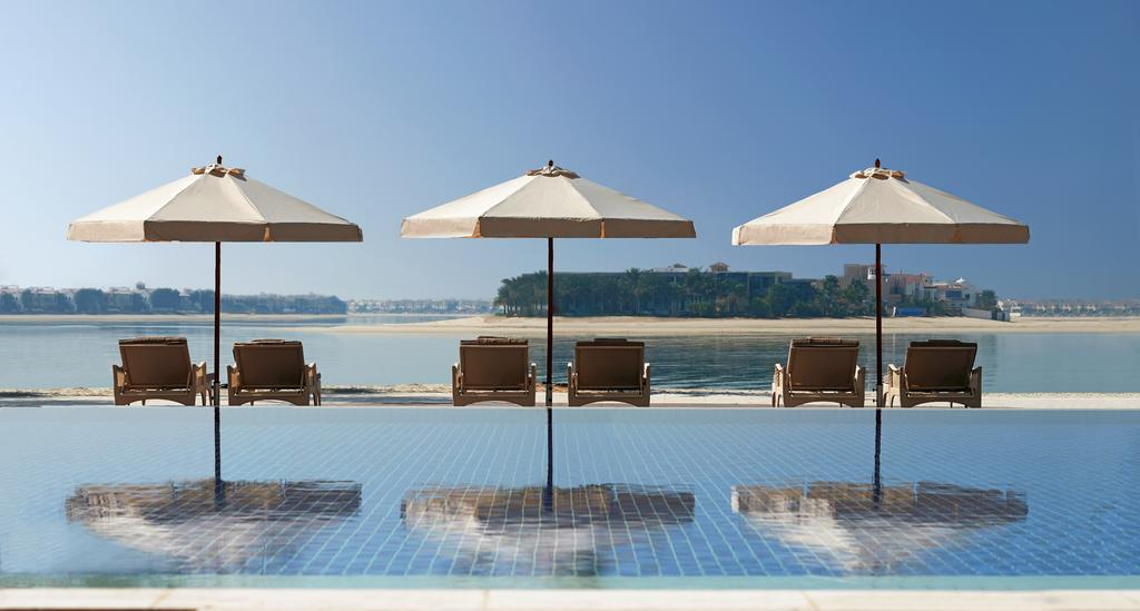 бассейн отеля Waldorf Astoria Dubai Palm Jumeirah