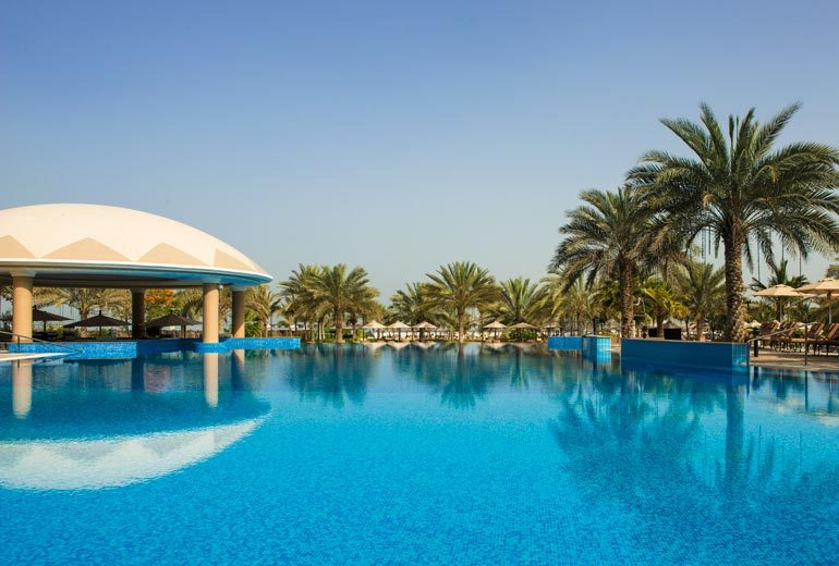 бассейн отеля Le Royal Meridien Beach Resorts & Spa Dubai