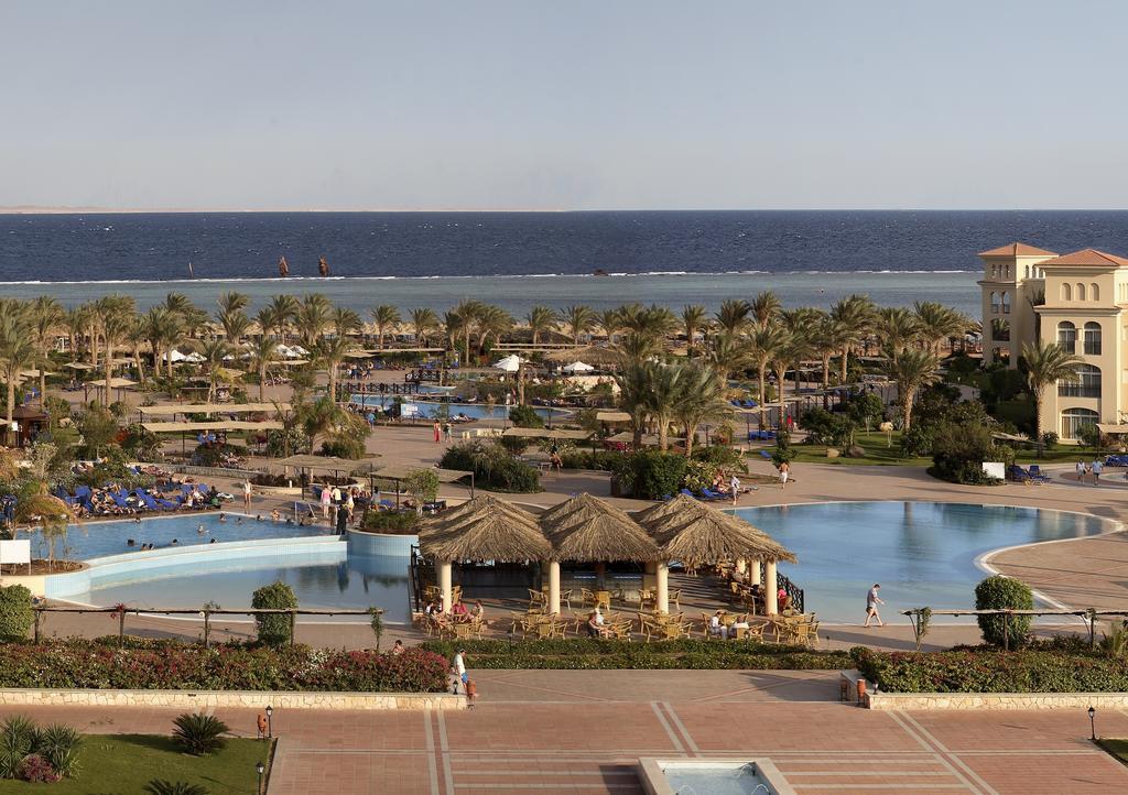 территория отеля Jaz Mirabel Beach