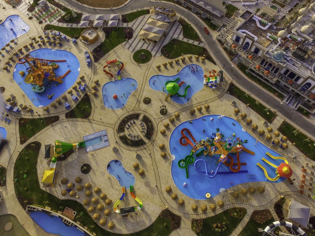 территория отеля Albatros Aqua Park