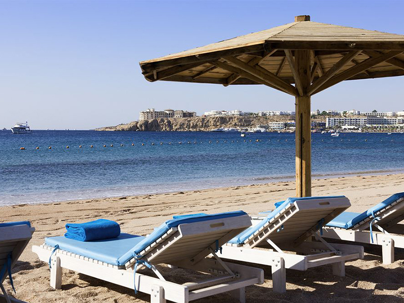 пляж отеля Novotel Sharm El Sheikh Beach