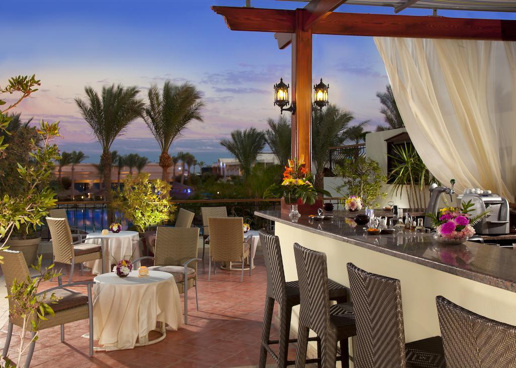 бар отеля Sierra Resort
