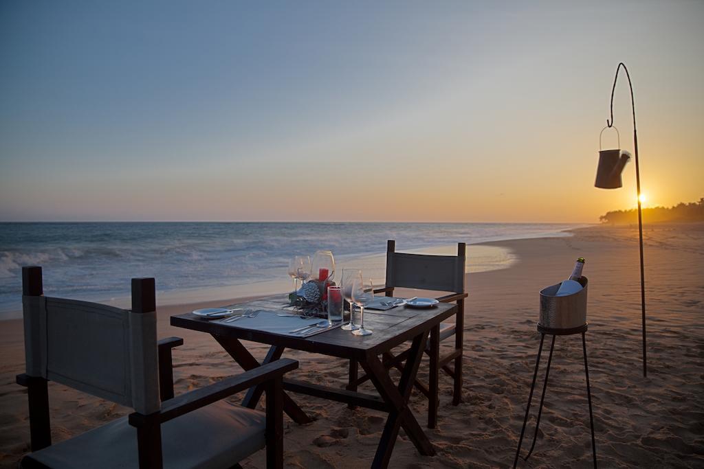 пляж отеля Portofino Resort Tangalle