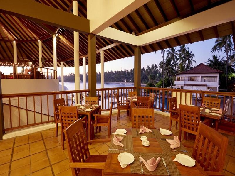 ресторан отеля Dickwella Resort & Spa