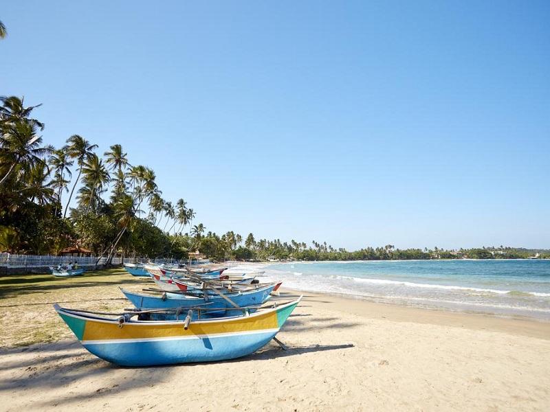 пляж отеля Dickwella Resort & Spa