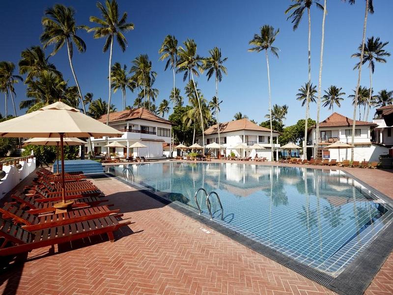 бассейн отеля Dickwella Resort & Spa