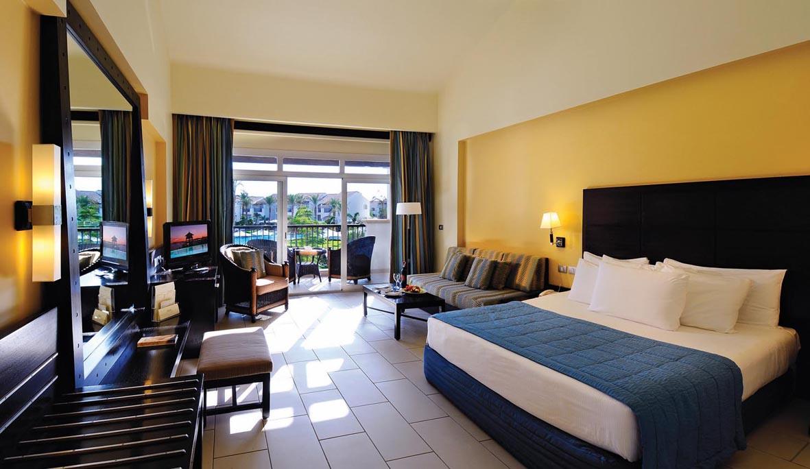 номер отеля Reef Oasis Blue Bay Resort & Spa