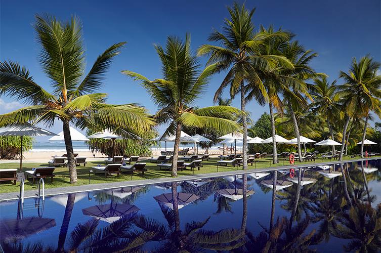 территория отеля The Surf Bentota