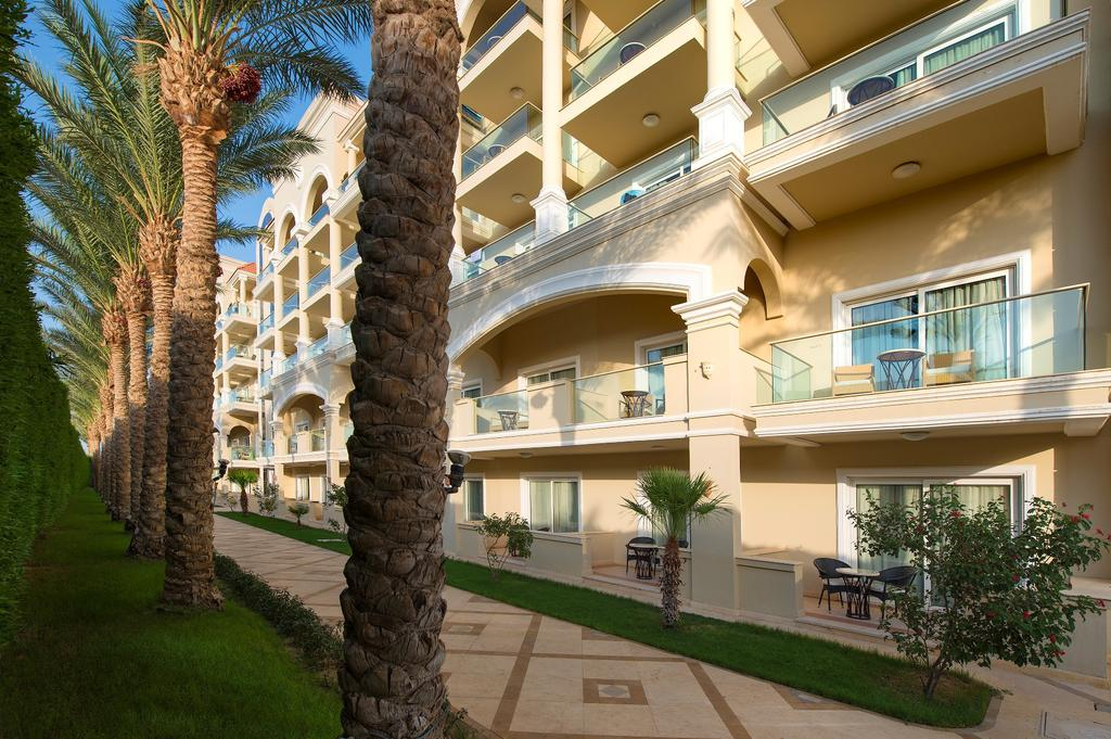 корпус отеля Premier Le Reve Hotel & Spa