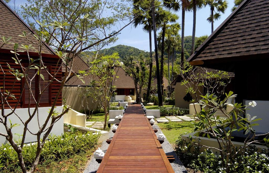 территория отеля Hilton Arcadia Phuket