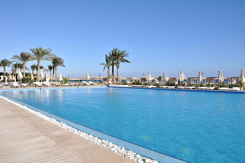 бассейн отеля Premier Le Reve Hotel & Spa