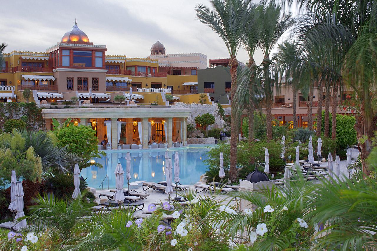 территория отеля The Makadi Spa