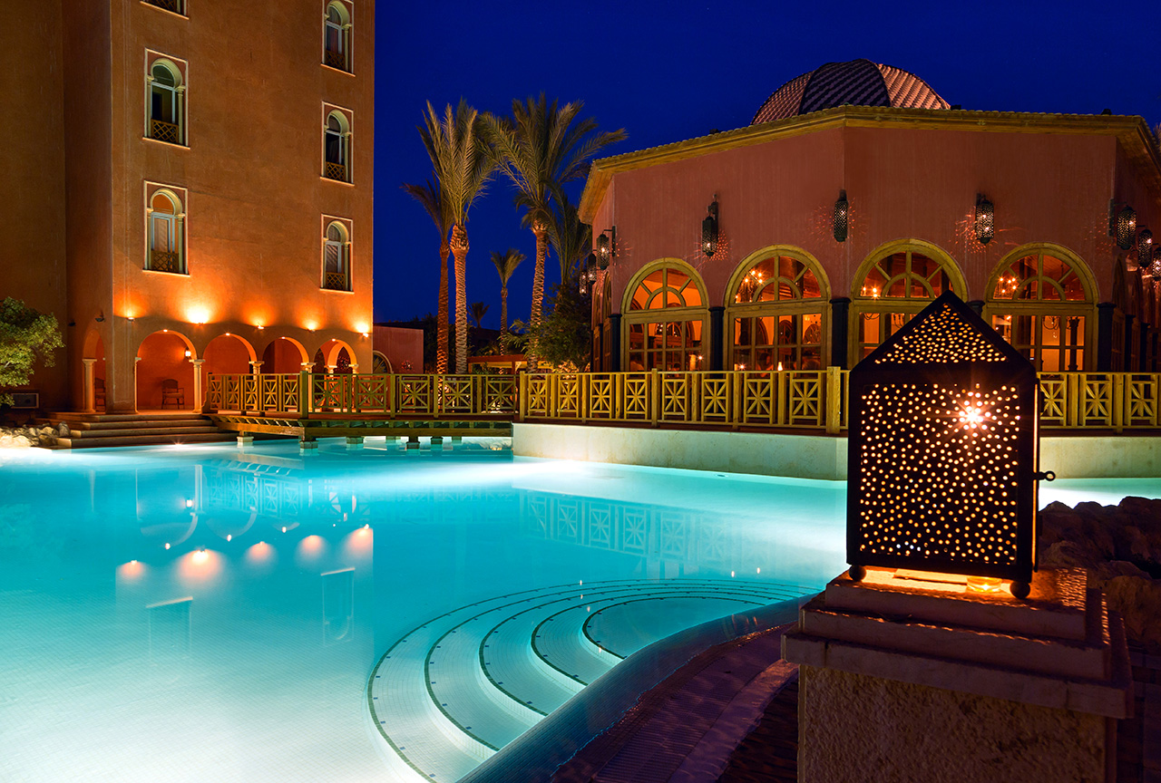 бассейн отеля The Grand Resort Hurghada