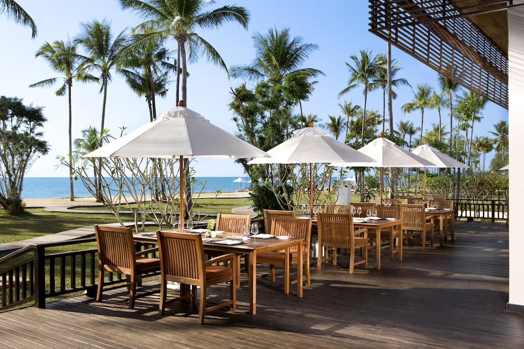 ресторан отеля JW Marriott Khao Lak