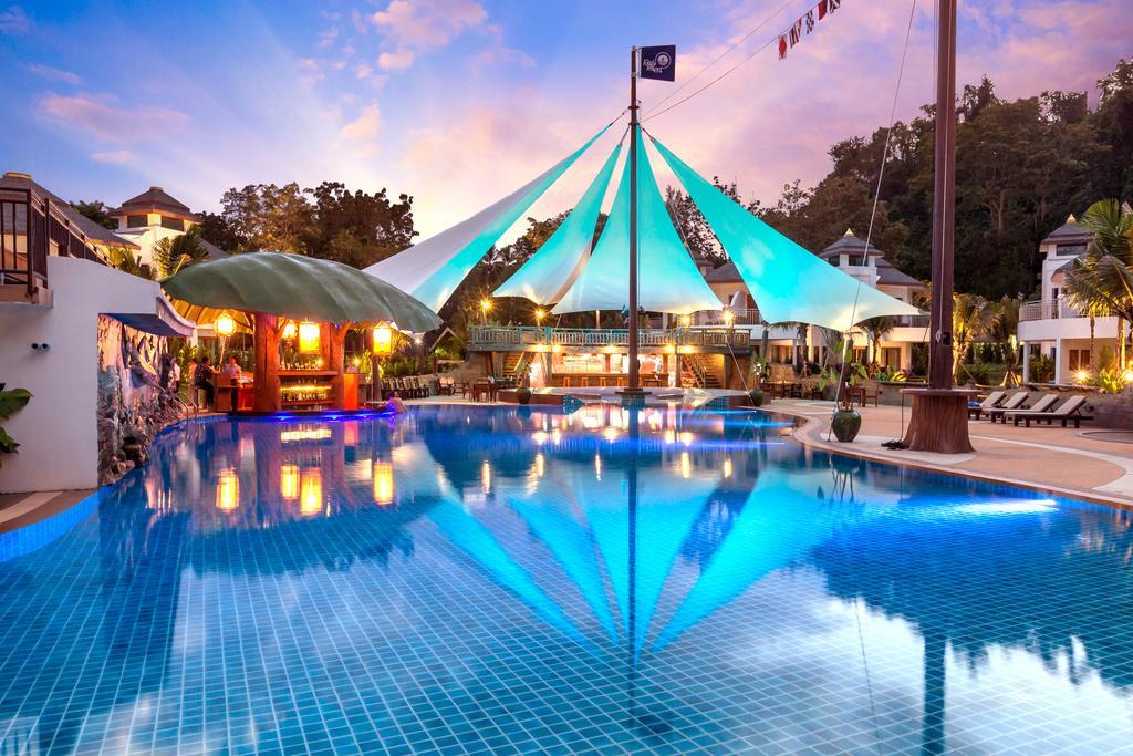 бассейн отеля Krabi Resort