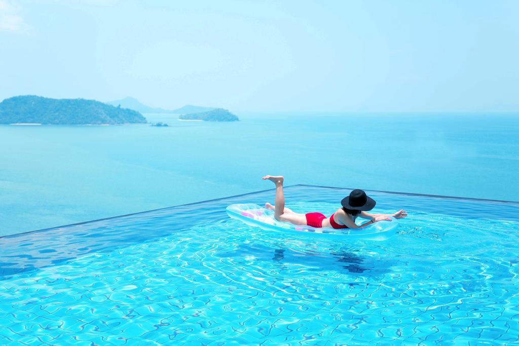 инфинити бассейн отеля Sri Panwa Phuket