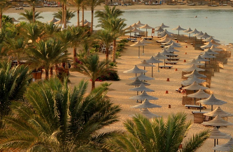 пляж отеля Royal Brayka Beach Resort