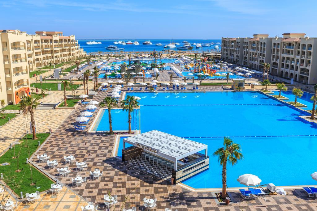бассейн отеля Albatros White Beach Resort