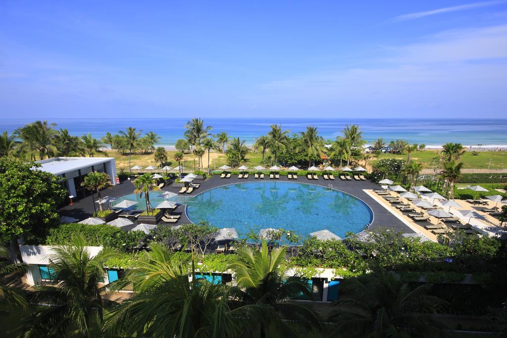 бассейн отеля Hilton Arcadia Phuket