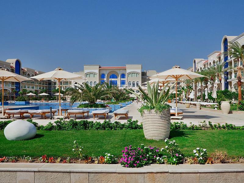 территория отеля Premier Le Reve Hotel & Spa