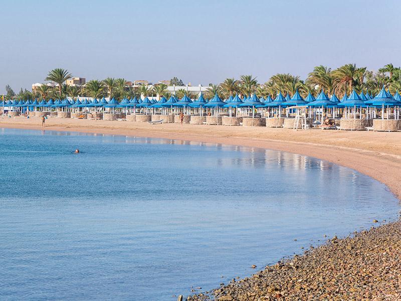 пляж отеля The Grand Hotel Hurghada