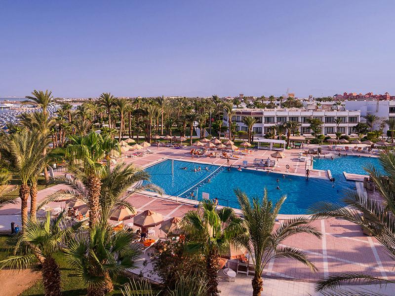 бассейн отеля The Grand Hotel Hurghada