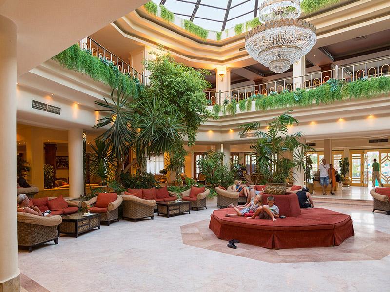 холл отеля The Grand Hotel Hurghada