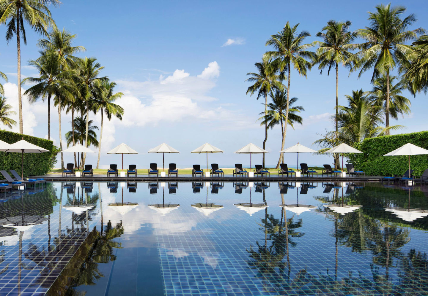 бассейн отеля JW Marriott Khao Lak