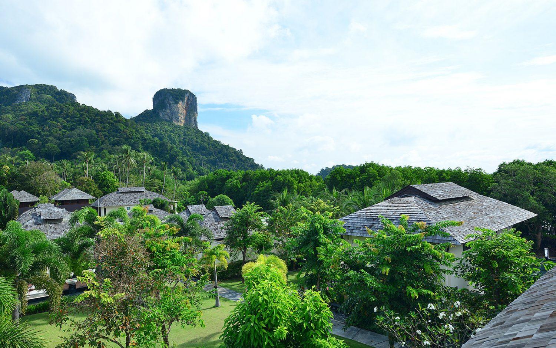 территория отеля Bhu Nga Thani Resort and Spa