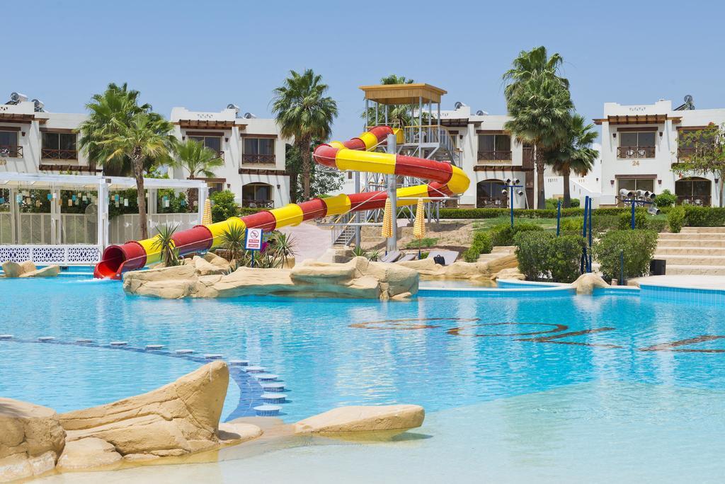 бассейн отеля Shores Aloha Resort