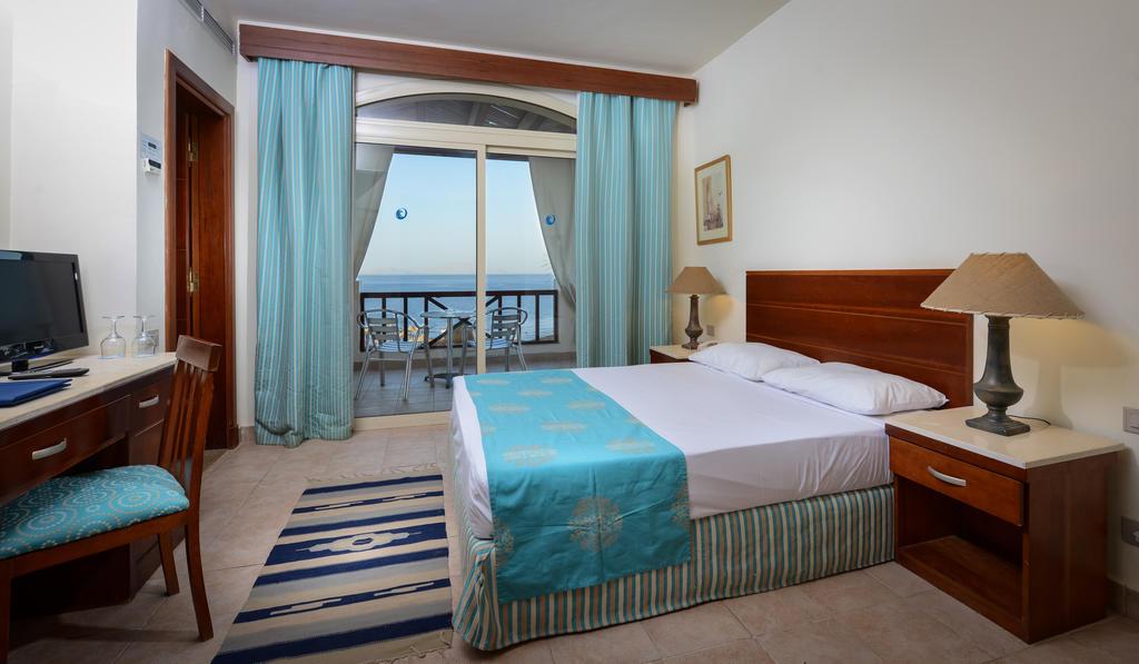 номер отеля Shores Aloha Resort