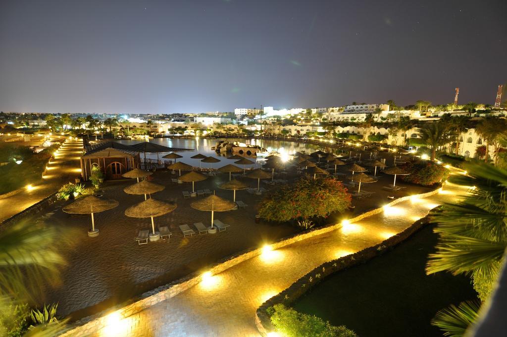территория отеля Domina Prestige Hotel & Resort