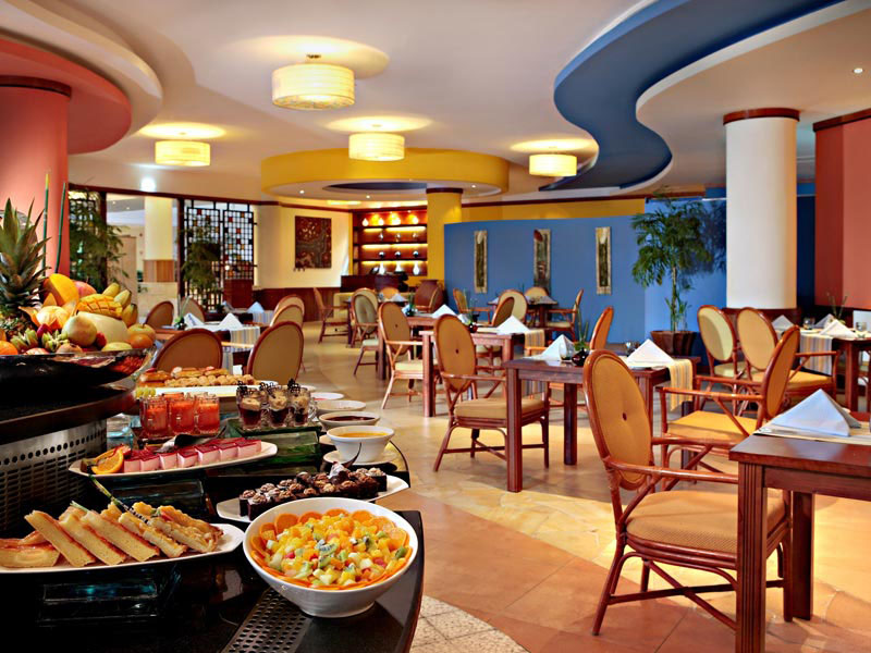 ресторан отеля Fujairah Rotana Resort & Spa