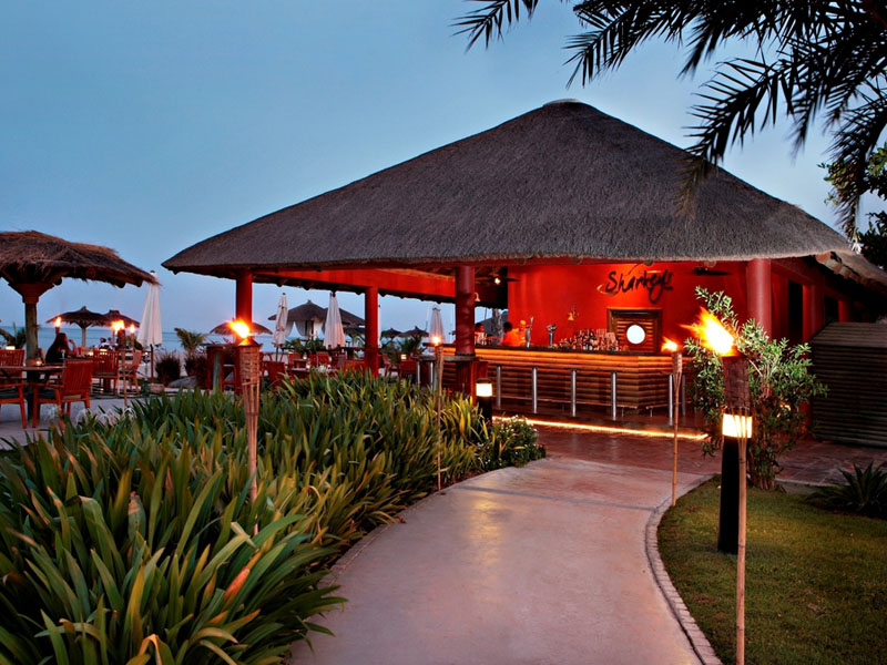 бар отеля Fujairah Rotana Resort & Spa