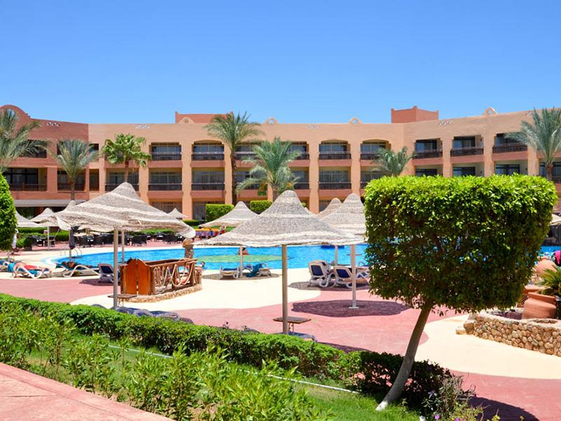 территория отеля Nubian Village