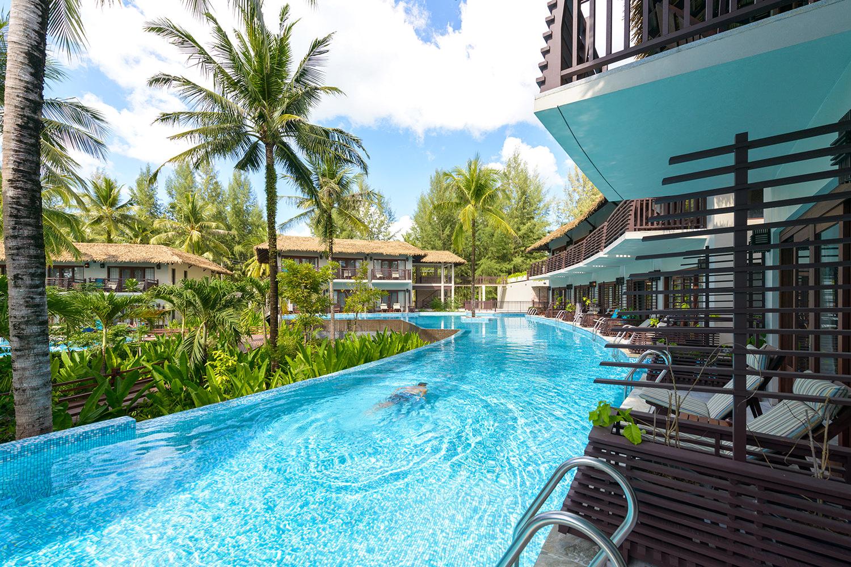 территория отеля The Haven Khao Lak