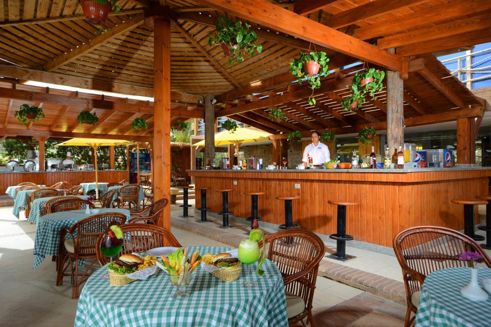 бар отеля Tropitel Naama Bay
