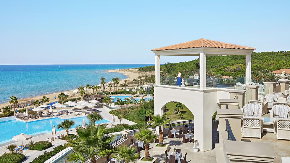 территория отеля Grecotel Olympia Riviera & Aqua Park
