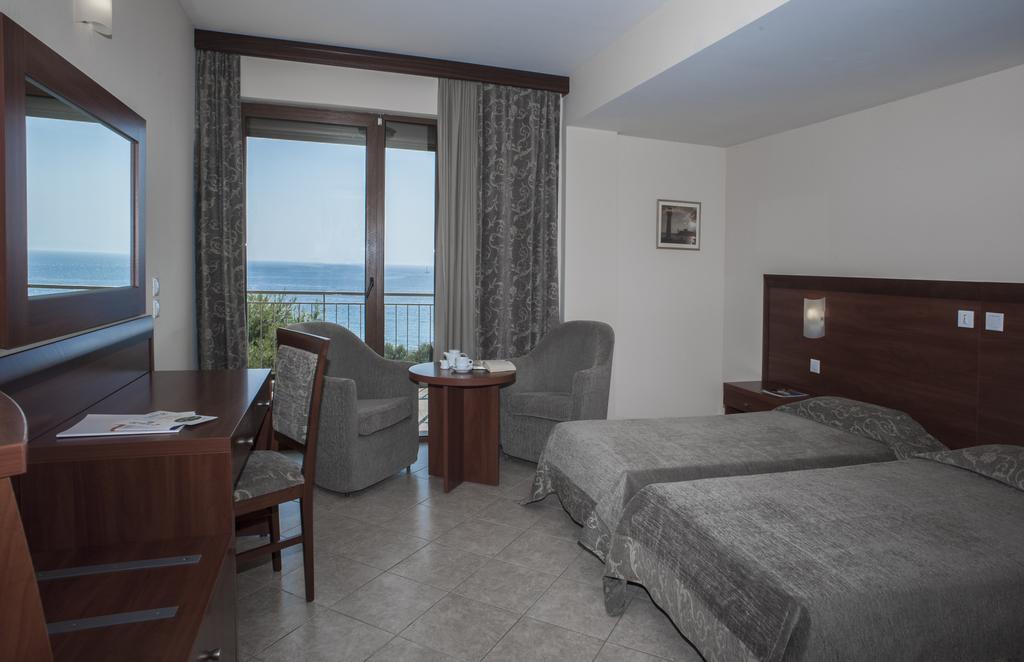 номер отеля Eden Beach Resort