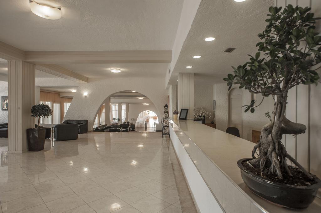корпус отеля Eden Beach Resort